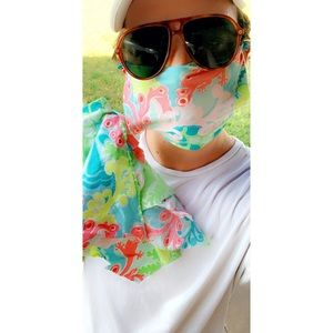 Lilly Pulitzer face wrap!